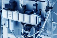 Chaîne de production des commutateurs électriques Photo libre de droits