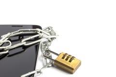 Chaîne enveloppée de téléphone à disposition photos libres de droits