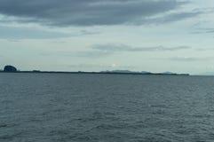 Chaîne et île de montagne Photographie stock