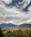 Chaîne et zones du Nelson par Creston photographie stock libre de droits