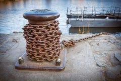 Chaîne maritime de balise et de fer Images stock