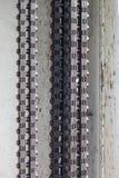 Chaînes épaisses en métal sur le fond blanc photo libre de droits