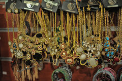 Chaînes avec des pendants Images stock