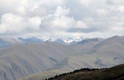 Chaînes de montagne Photos libres de droits