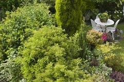 Chałup ogrodowi stołowi krzesła Obrazy Royalty Free