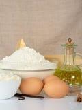 Chałupa ser, jajka, słonecznikowy olej i mąka, Obraz Stock