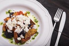 Chałupa ser z piec na grillu warzywami Obraz Royalty Free