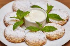 Chałupa sera fritters lub bliny Tradycyjna rosjanina i kniaź kuchnia Obrazy Stock