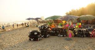 Cha-está Hua Hin, Tailândia - janeiro, 1 2015: O anel de vida para o aluguel Cha-está sobre praia de Hua Hin, Tailândia Imagem de Stock