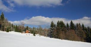Chałupa w górach Zdjęcia Royalty Free