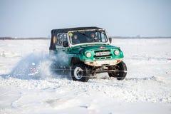 CHABAROVSK, RUSSIA - 28 GENNAIO 2017: UAZ 469 che guida sulla neve Immagine Stock