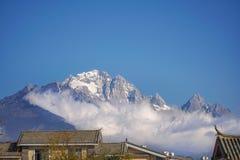 Chabeta smoka Śnieżna góra, Lijiang, Yunnan Chiny zdjęcia stock