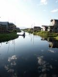 Chabola en el lago Foto de archivo libre de regalías