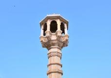 Chabutaro (πύργος/περιστέρι-πύργος σίτισης πουλιών) σε Jami Masjid, Ahmedabad Στοκ Εικόνα