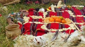Chacana - viejo ritual indígena en homenaje a Pachamama Mather Earth foto de archivo