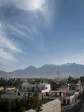 Chachani och Arequipa Arkivbilder