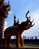 Chacheongchao, Таиланд 23-ье августа 2014: Изображение и вероисповедание буддизма Стоковые Изображения
