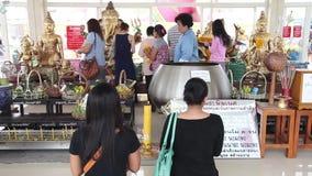 CHACHOENGSAO, TAILÂNDIA 4 DE JULHO DE 2012: Ganesha em Wat Saman Rattanaram em Chachoengsao, Tailândia, templo de Saman Rattanara filme