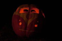 CHADDS福特, PA - 10月26日:在伟大的南瓜雕刻2013年10月26日的Carve的VW德国大众南瓜比赛 免版税库存图片