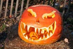 CHADDS FORD, PA - 26 DE OCTUBRE: La gran calabaza Carve que talla competencia el 26 de octubre de 2013 Foto de archivo libre de regalías