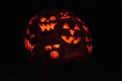 CHADDS FORD, PA - 26 DE OCTUBRE: La gran calabaza Carve que talla competencia el 26 de octubre de 2013 Imagen de archivo libre de regalías