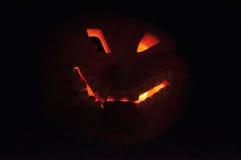 CHADDS FORD, PA - 26. OKTOBER: Der große Kürbis Carve Wettbewerb am 26. Oktober 2013 schnitzend stockfotografie