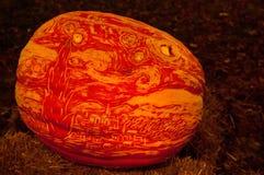 CHADDS FORD, PA - PAŹDZIERNIK 26: Wielka bania Rzeźbi cyzelowanie konkurs na Październiku 26, 2013 Obraz Royalty Free