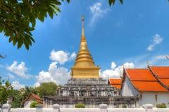 Chadi Phra quel Chang Kam in Wat Phra That Chang Kam Worawihan di Nan Fotografia Stock Libera da Diritti