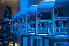 Chafings банкета Christmass в голубом свете Стоковое фото RF