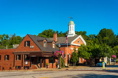 Chagrin Falls Township Hall. CHAGRIN FALLS, OH - JULY 30, 2017: The handsome Town Hall of Chagrin Falls Township stands within the village of Chagrin Falls and stock photos