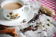 Chai van Masala of Indische thee met kruiden Stock Afbeelding
