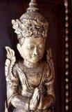 CHAIANG MAI, THAILAND - JANUARI 26, 2014: Decoratief gesneden antiek cijfer van Mandarin Oriental Dhara Dhevi Chiang Mai, Thail Stock Foto's