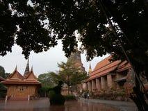Chaimongkhon tempel Arkivbild