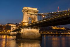 Chain Bridge and the Danube River at Night, Budapest, Hungary stock photography