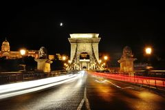 Chain Bridge at night with traffic light trails, Budapest, Hungary Royalty Free Stock Photos