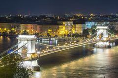 Chain Bridge over Danube river at night, Budapest, Hungary stock photography