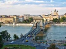 Chain bro och karusell i Ungern, Budapest Royaltyfria Bilder