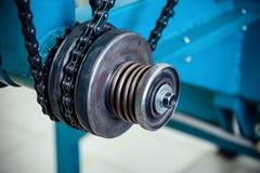Chain drev, drevbeståndsdel av att fläta maskinen arkivbilder