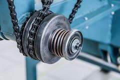 Chain drev, drevbeståndsdel av att fläta maskinen Fotografering för Bildbyråer