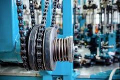 Chain drev, drevbeståndsdel av att fläta maskinen Royaltyfri Bild