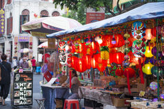 CHAINATOWN, SINGAPUR - 12. OKTOBER 2015: Chinesisches Laternen hangi Lizenzfreies Stockbild