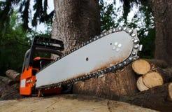 chainsaw Fotografering för Bildbyråer
