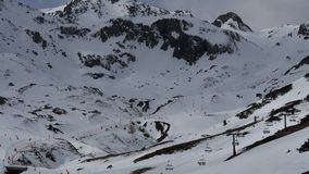 Chairlift στο χειμερινό θέρετρο από formigal, Ισπανία φιλμ μικρού μήκους
