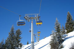 chairlifts skidar Royaltyfria Foton