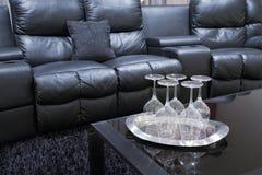 chairs den home theatren Arkivbilder