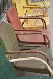 chairs färgrik metall royaltyfria foton
