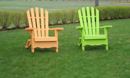 chairs fluorescerande lawn royaltyfri bild