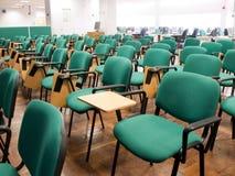 chairs klassrumraduniversitetar Royaltyfria Foton