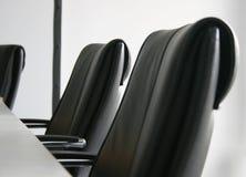 chairs konferenslokal Arkivbilder