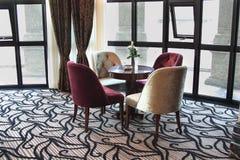 chairs korridoren royaltyfria foton